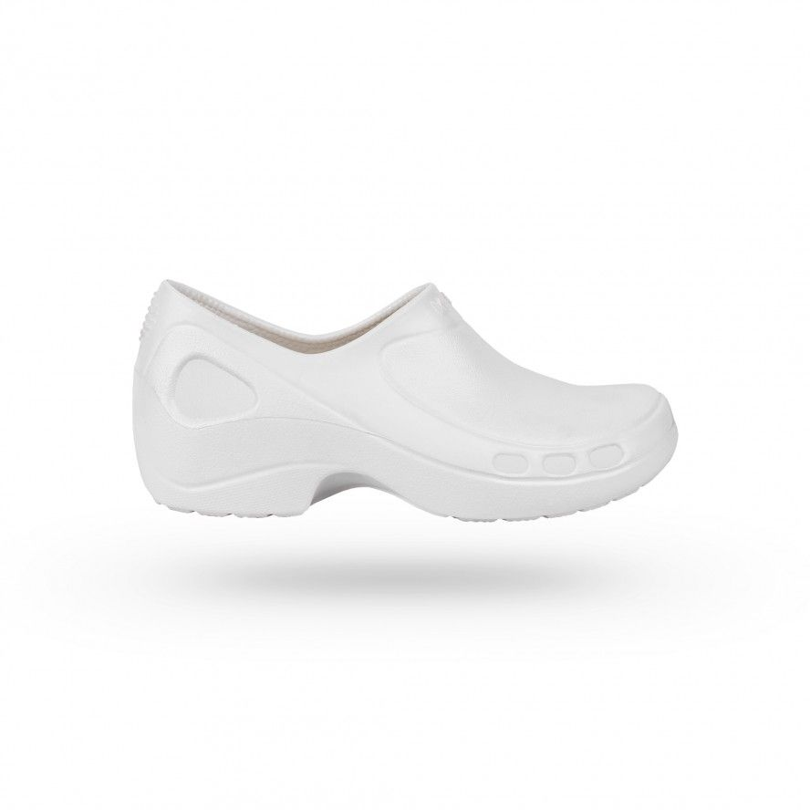 WOCK White Nursing/Work Shoes EVERLITE CLOSED 01