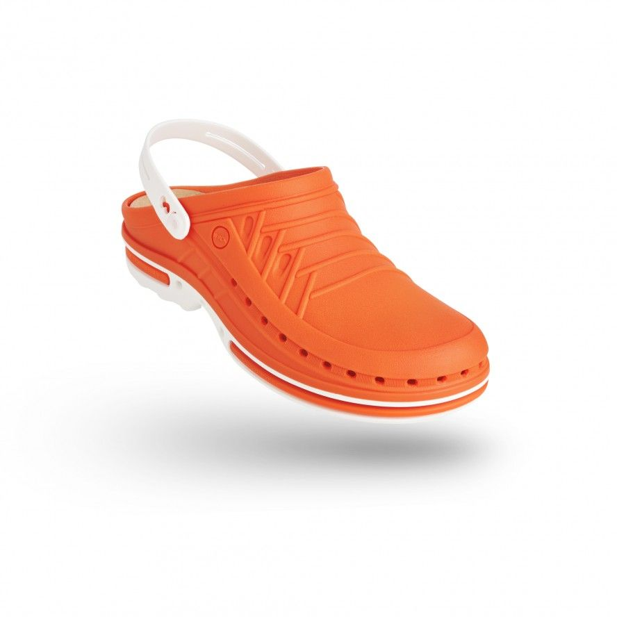 CLOG 05  w/ Strap with Walksoft™ Insole