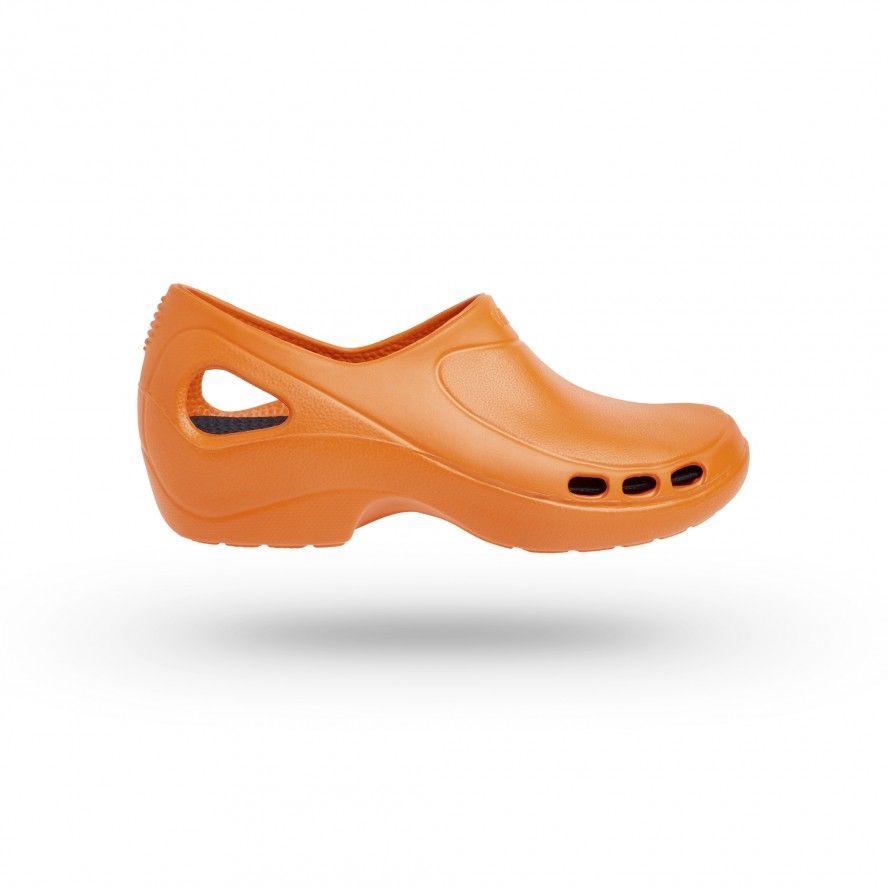 WOCK Zapato Sanitario Naranja Muy Ligero Everlite 05